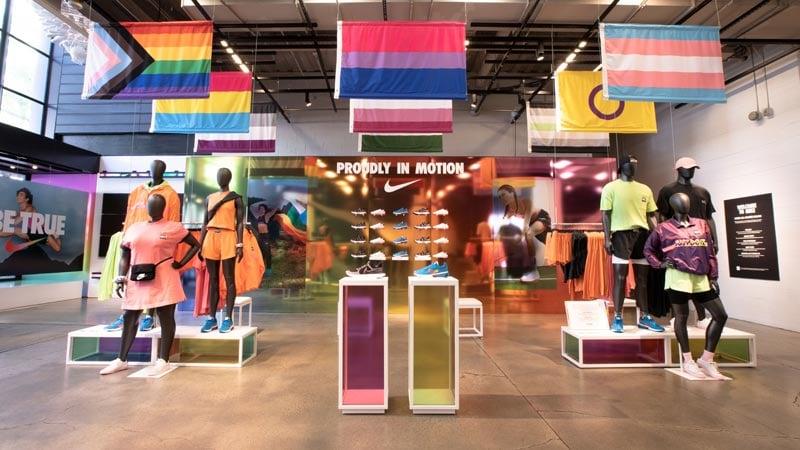 custom-retail-fixtures-pedestal-displays